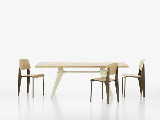 Cest En Partant De Ce Simple Constat Que Lingenieur Designer Jean Prouv A Conu Le Design La Chaise