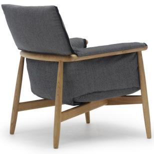 carl hansen s n embrace lounge chair e015 design eoos. Black Bedroom Furniture Sets. Home Design Ideas