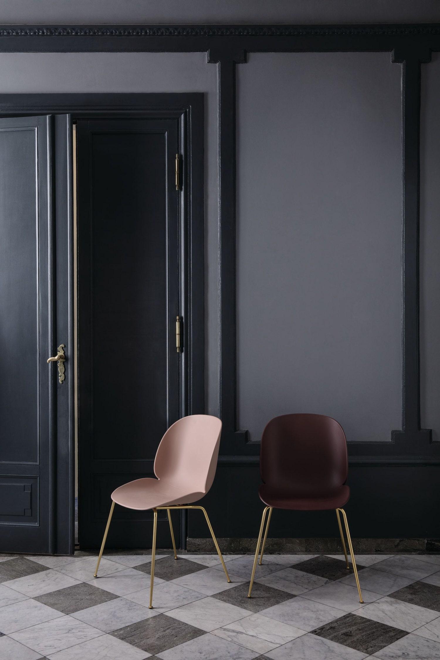 Chaise Beetle Plastique, Pieds Tube – Gubi – Scandinavia Design
