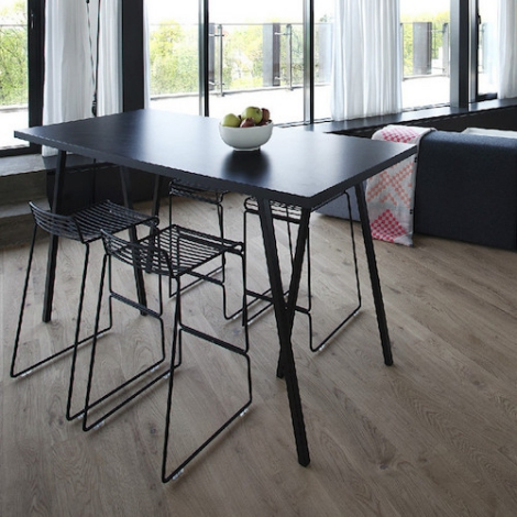Loop Stand High Table Hay