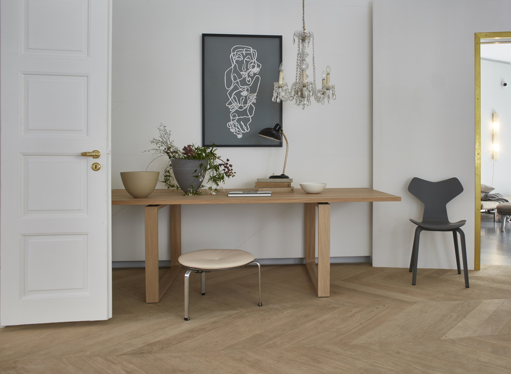 Cecilie manz essay dining table for fritz hansen
