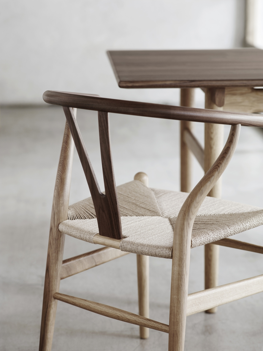 Wishbone Chair CH24 Natural Wood Carl Hansen Sn