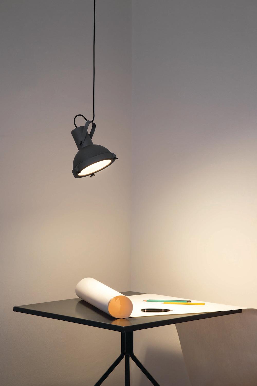 Projecteur 165 design le corbusier nemo cassina - Le corbusier lampe de marseille ...