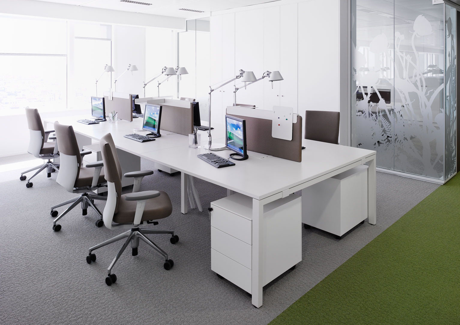 Id soft task chair vitra for Office design vitra